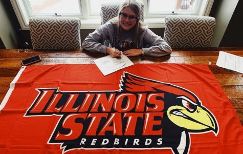 Sissy Novak signs her letter of intent to Illinois State soccer.