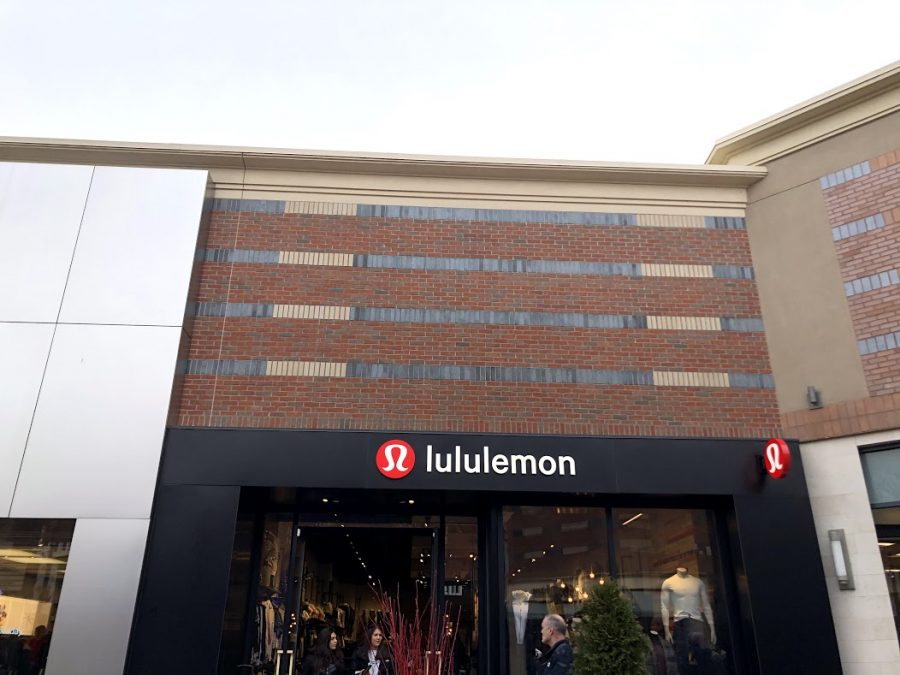 The+Lululemon+store+at+Partridge+Creek+Mall.