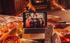 This person is watching the Halloween movie, Hocus Pocus. Photo credit: Ideawallpapers.com