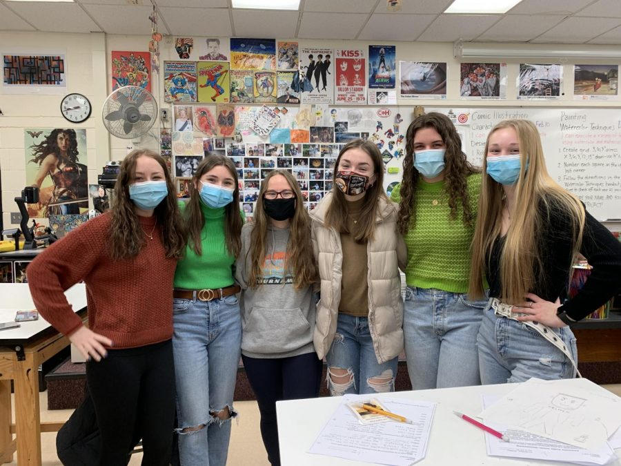 Senior girls hang out in their favorite art class. Pictured (from left to right): Alyssa Benka 21, Leyna Doerr 21, Isabella Calabrese 21, Alison Schlacht 21, Kelsey Duffey 21, Reese Cook 21